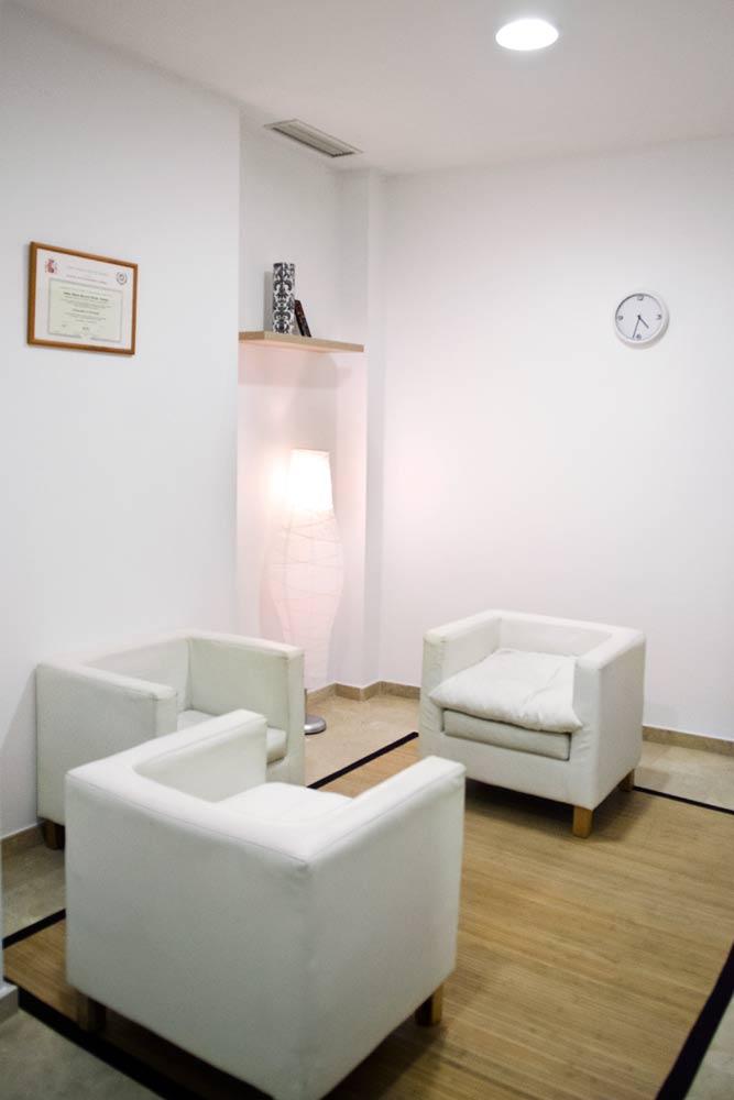Centro de Psicología Rosario Bazán en Estepona, sala terapia consulta estepona
